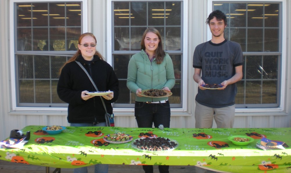Students at the Bake Sale