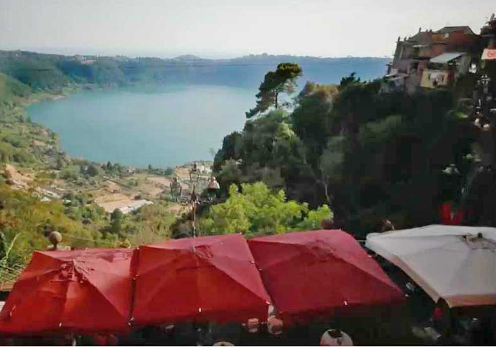 - Time seems to have stopped in the small towns that make up the lovely Castelli area 15 miles south of Rome.