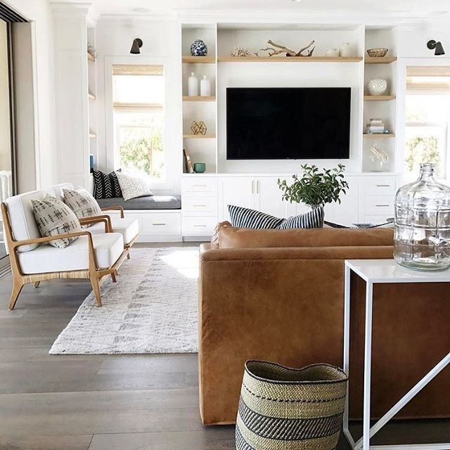 Pretty much everything in this room is perfection to me ❤️ @studiomcgee #beachbungalowdesigns #inspiration #interiordesign