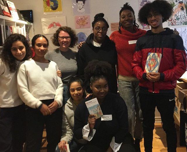 Throwback to last Sunday when we discussed N-W by Zaddie Smith around brunch 😁 #afro #books #literature #zaddiesmith #brunch