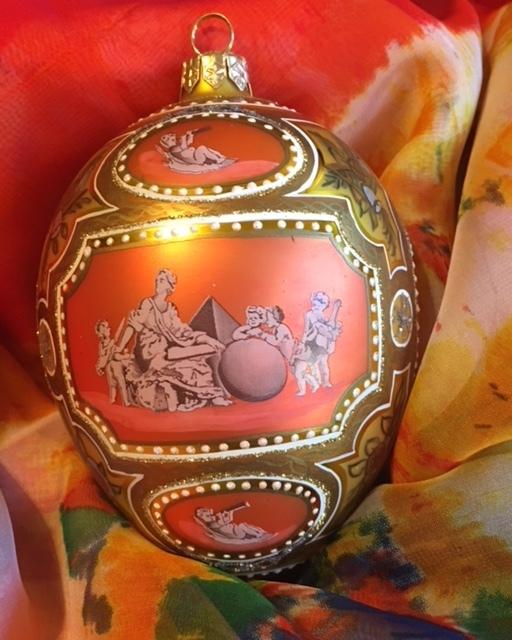 Egg 4 View 3.jpg