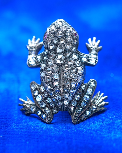 Isn't this frog stunning? - What better way to leap forward into enjoying life than being ready to spring, with this diamond frog starkly set against a bright blue background.#ryorignalcollection