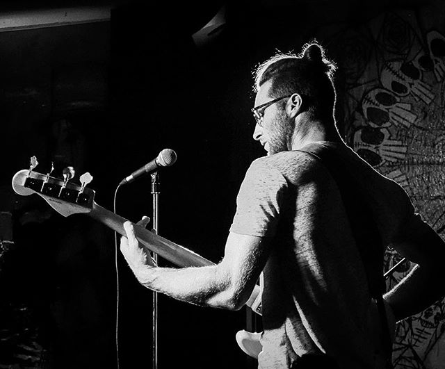 Playing the Saw Dust City Oktoberfest tonight in Gravenhurst 📸 @candywarhol_  #toronto #torontomusicscene #gravenhurst #sawdustcitybrewery #sawdustcity #sawdustcitybrewing #coyotekids #coyotekidsmusic