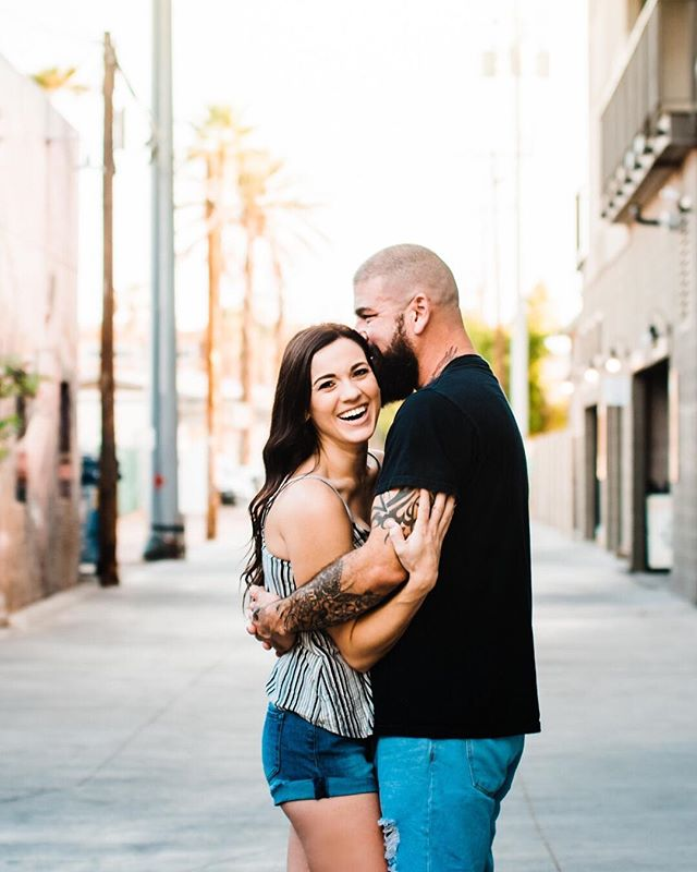"""Whisper in her ear with your most seductive voice... and tell her... ...your favorite dinner"" ⠀⠀⠀⠀⠀⠀⠀⠀⠀ 🍝😍🙌🏻 This sunrise engagement session in #dtphx was such a blast."