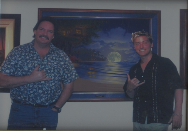 Lance Bass came to visit Al in his studio in Hawaii
