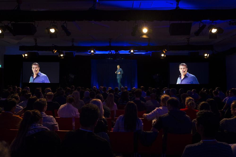 Business Mastery 2016 – Tony Robbins Live Interactive Hologram (Sydney <> Los Angeles)