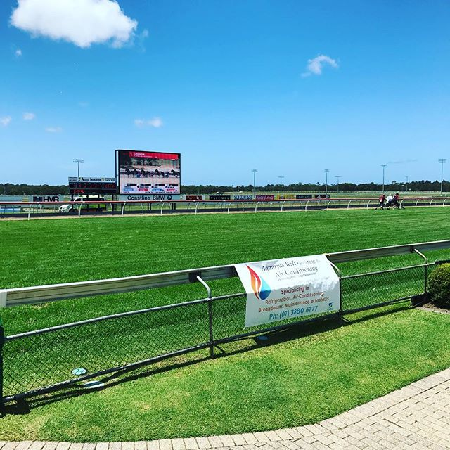 Aquarius refrigeration and air conditioning team is down at the Sunshine Coast Turf Club today. Sponsoring race 6. Happy Sunday everyone. #aquairsaircon #caloundraraceday #sponsor #race6 #sunshinecoastturfclub