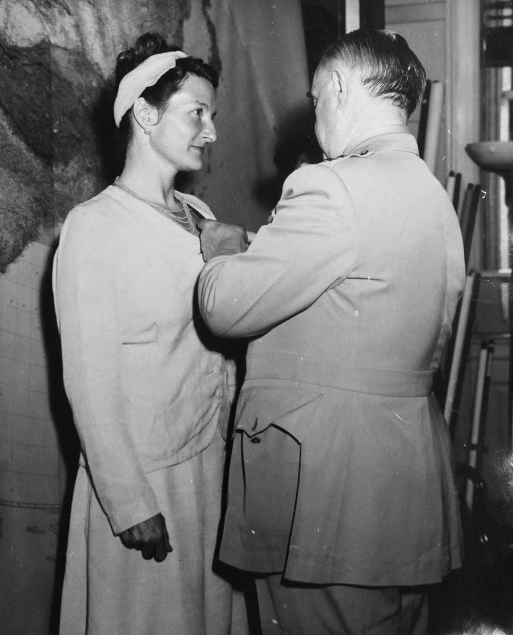 Virginia Hall receiving the Distinguished Service Cross on September 27, 1945. Courtesy of Lorna Catling and John Hall