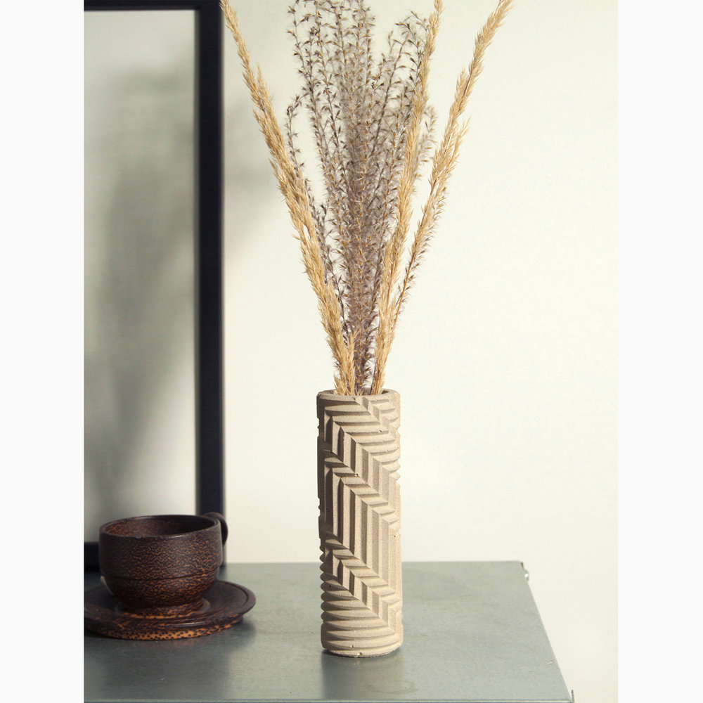 HB_Taupe_Bud_vase_styled_square_1500px.jpg