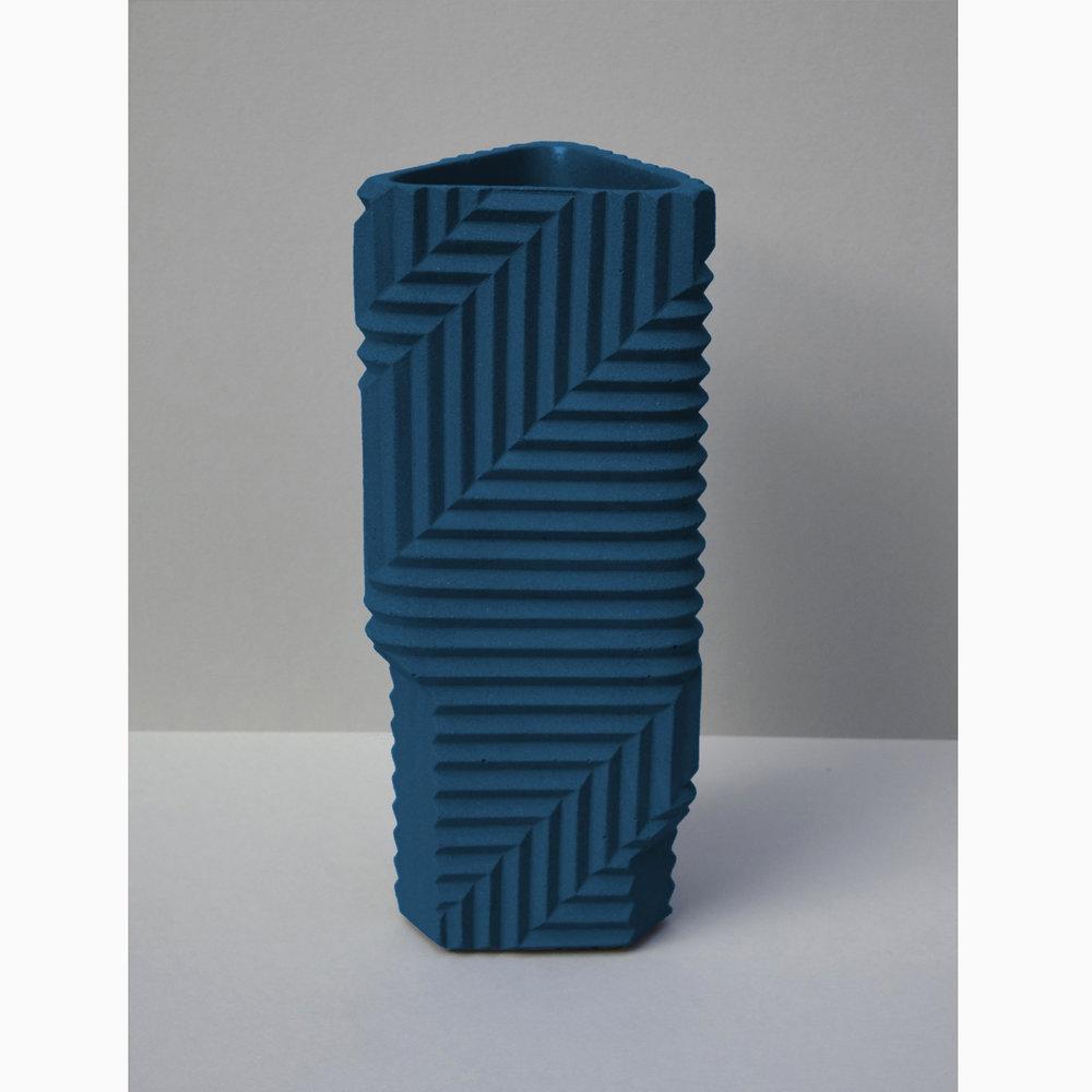 HB_Dark_blue_vase_square_1500px.jpg