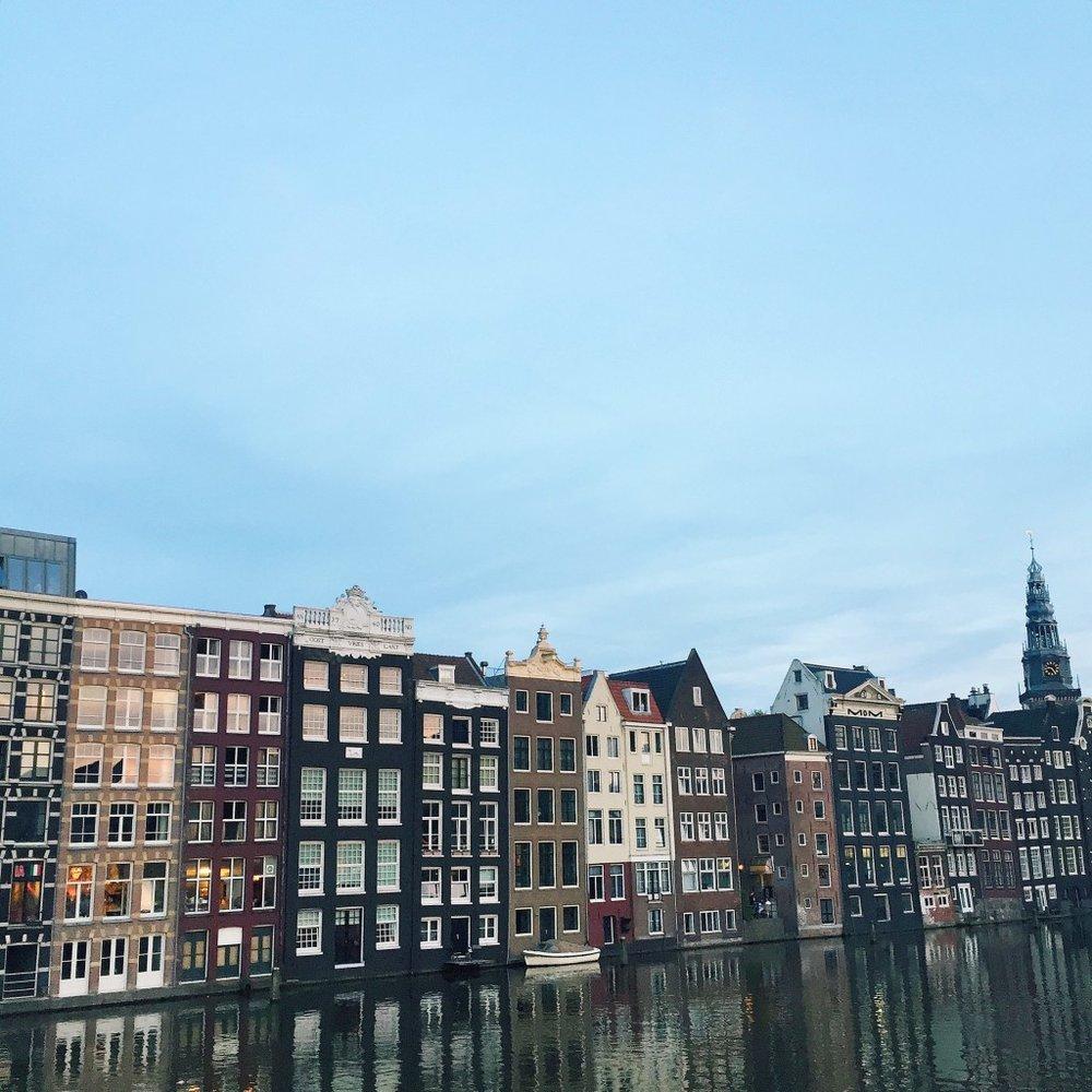 Amsterdam-Skyline-Dusk-1024x1024.jpg