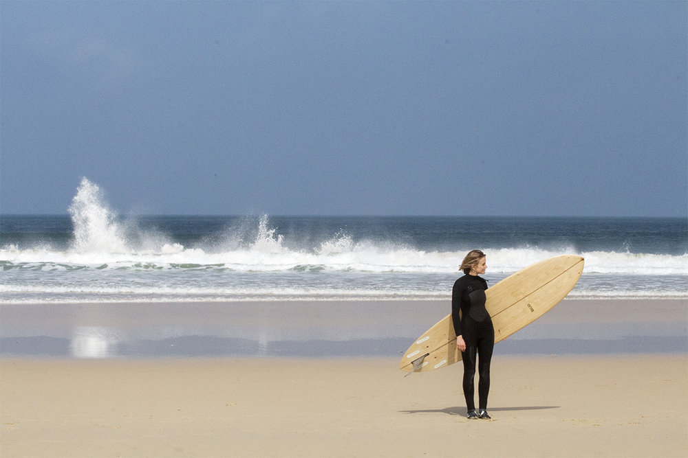 Otter_Surfboards_Sophie_Hellyer_portrait_ocean_2_soc.jpg