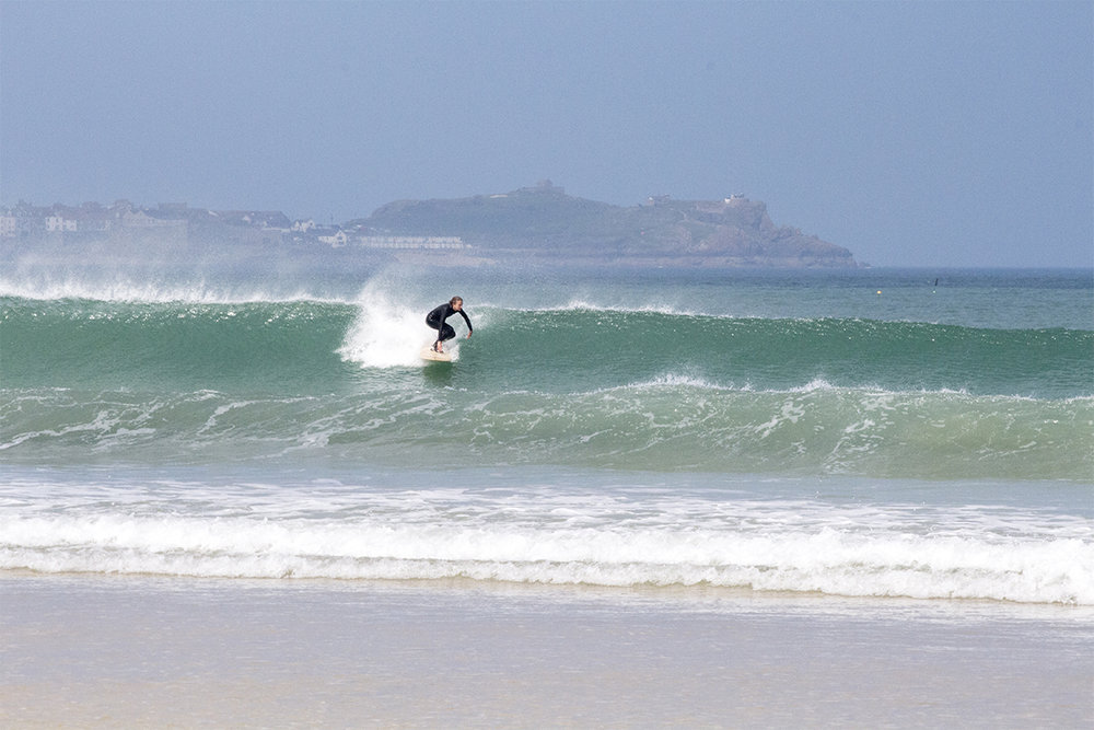 Otter_Surfboards_Sophie_Hellyer_take-off_St_Ives_soc.jpg