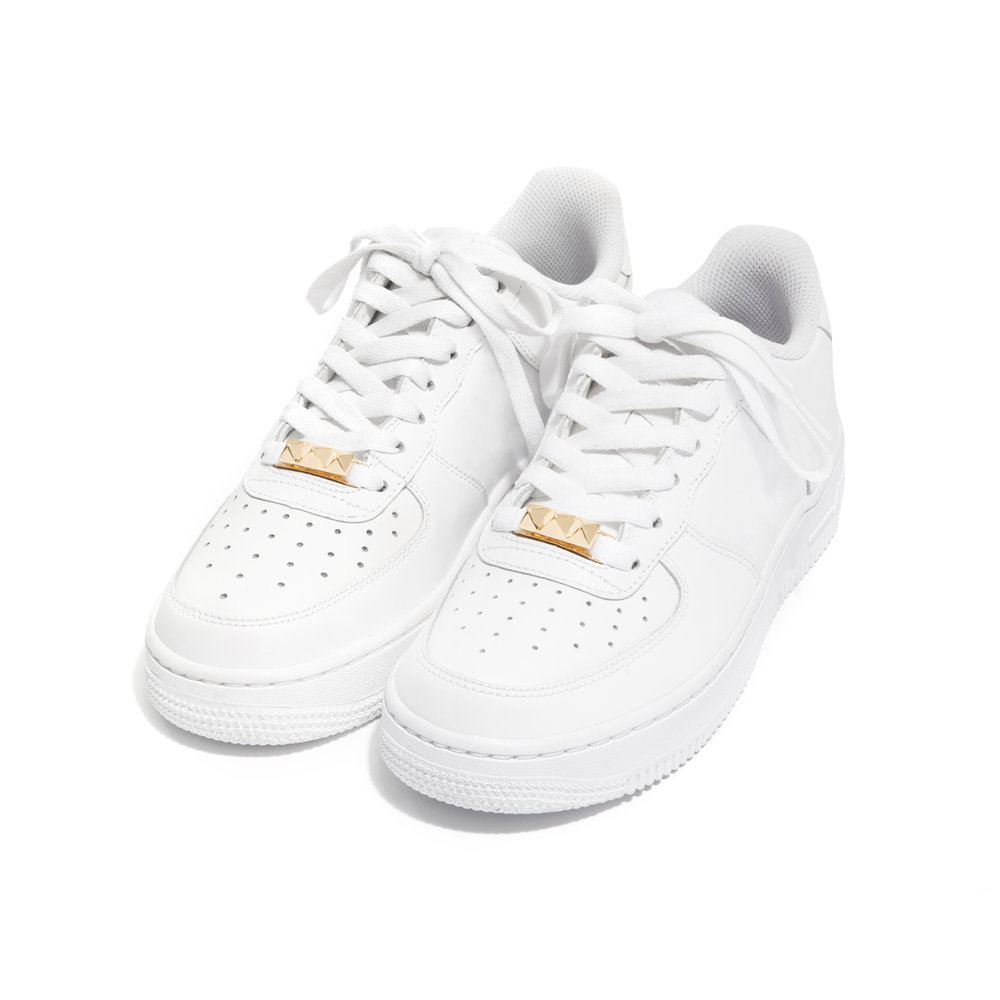 Pyramid-gold-sneaker.jpg