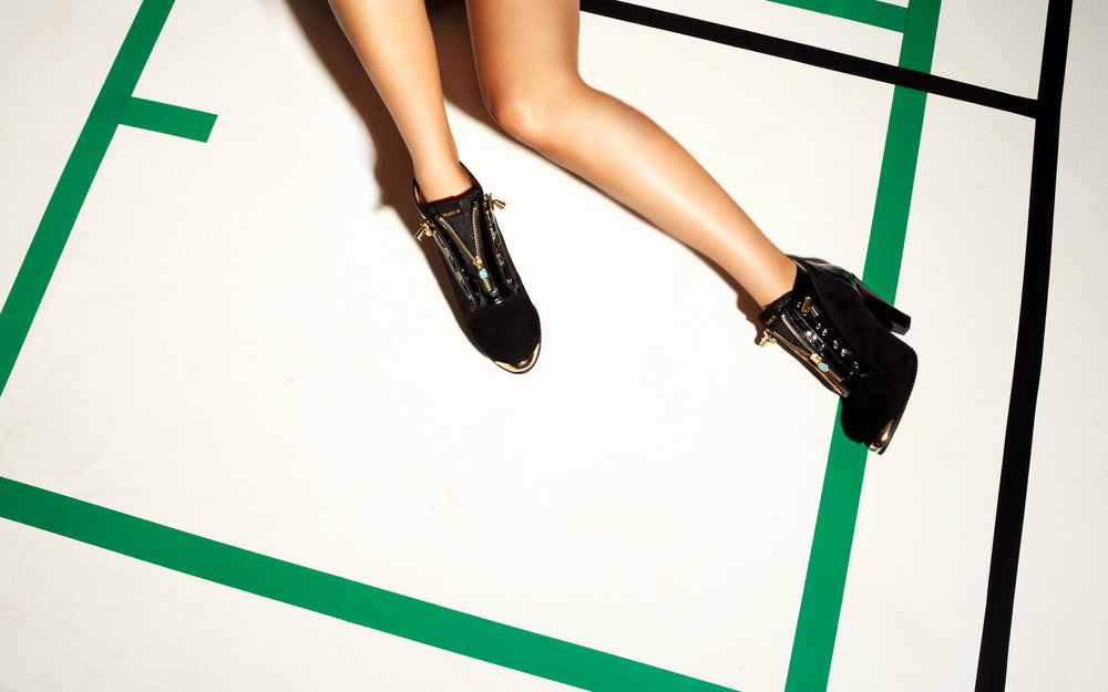 BLACK-SPORTY-BOOTS
