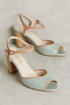decc6315e2437f6fd2294282c231e1e3--cinderella-shoes-anthropologie-shoes.jpg