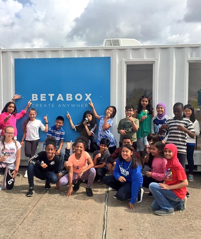 Take a look at all of these young creators/future entrepreneurs after a @betaboxlabs learning experience. • Betabox partnered with the South Carolina Department of Education to introduce this out-of-class experience to rural counties in the state. Those smiles indicate success! 👨‍💻🚀‬ • • • • • • • • #education #technology #learning #teacher #student #startup #entreprenuer #business #southcarolina #northcarolina