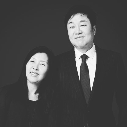 Husband and wife Do Won and Jin Sook Chang (of @forever21) moved to the U.S. from Korea in 1981. 👫 • Do Won (known as Don) did janitorial work, pumped gas and had a job at a coffee shop. Three years later he and his wife opened their first clothing store, Fashion 21, a 900-square-foot shop in Los Angeles. 👕👚👖 • The Changs expanded upon first year sales of $700,000 by opening new stores every six months, eventually changing the teen-focused retailer's name to Forever 21.📈 • Today, their fast-fashion clothing chain, racks up an estimated $3.7 billion in sales from more than 600 stores globally.💰💰💰 • • • • • • • • • • • • • #founder #entrepreneur #forever21 #retail #shopping #business #wealth  #entrepreneur #losangeles #clothing #style #startup #money