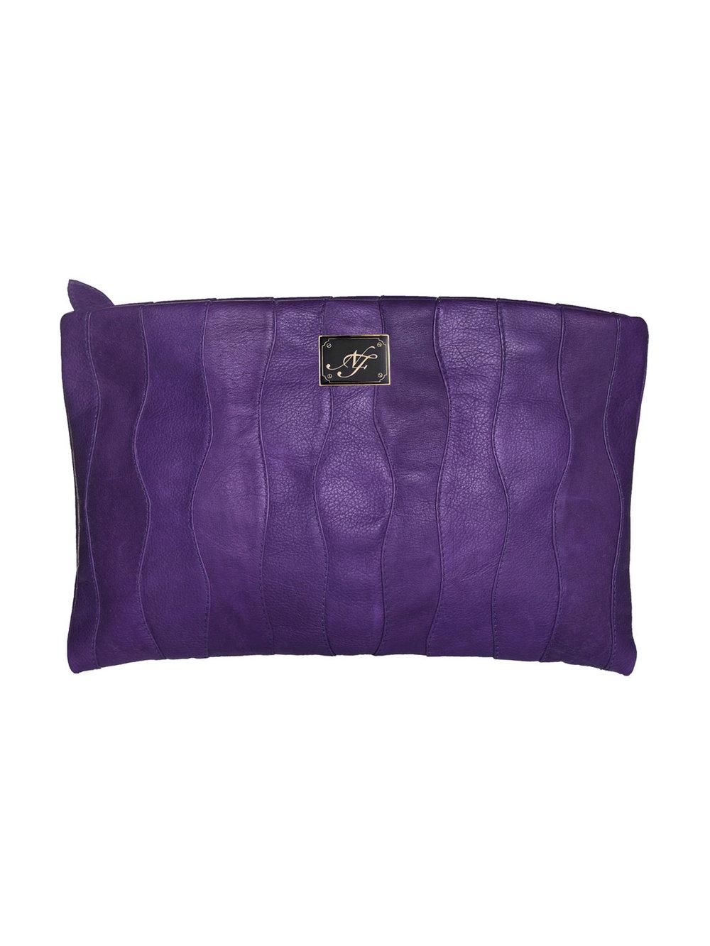 Clutch violeta - $210