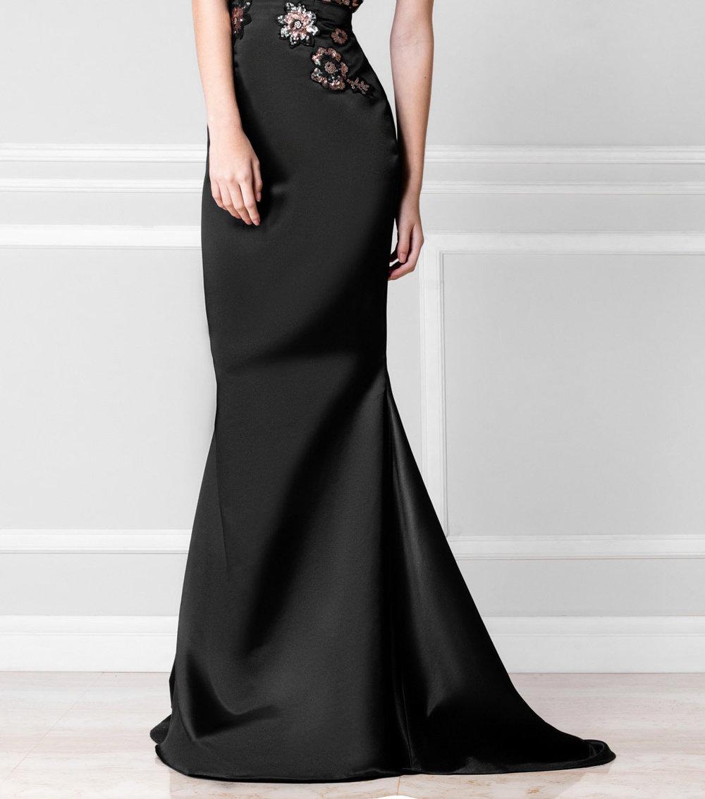 Falda negra de raso - €110