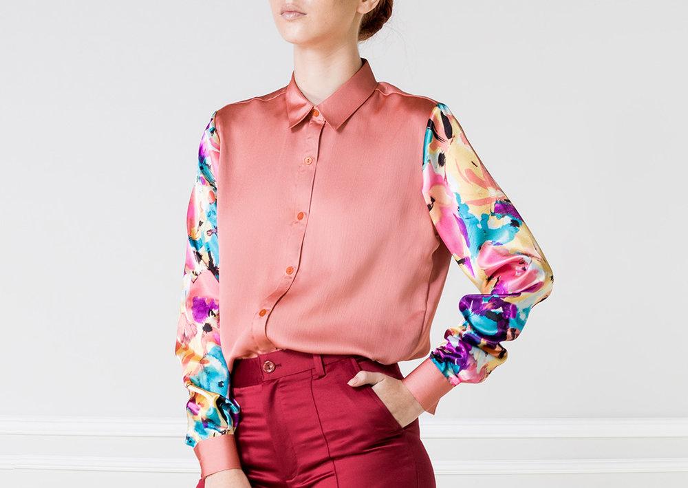 Camisa rosa con mangas estampada - €80