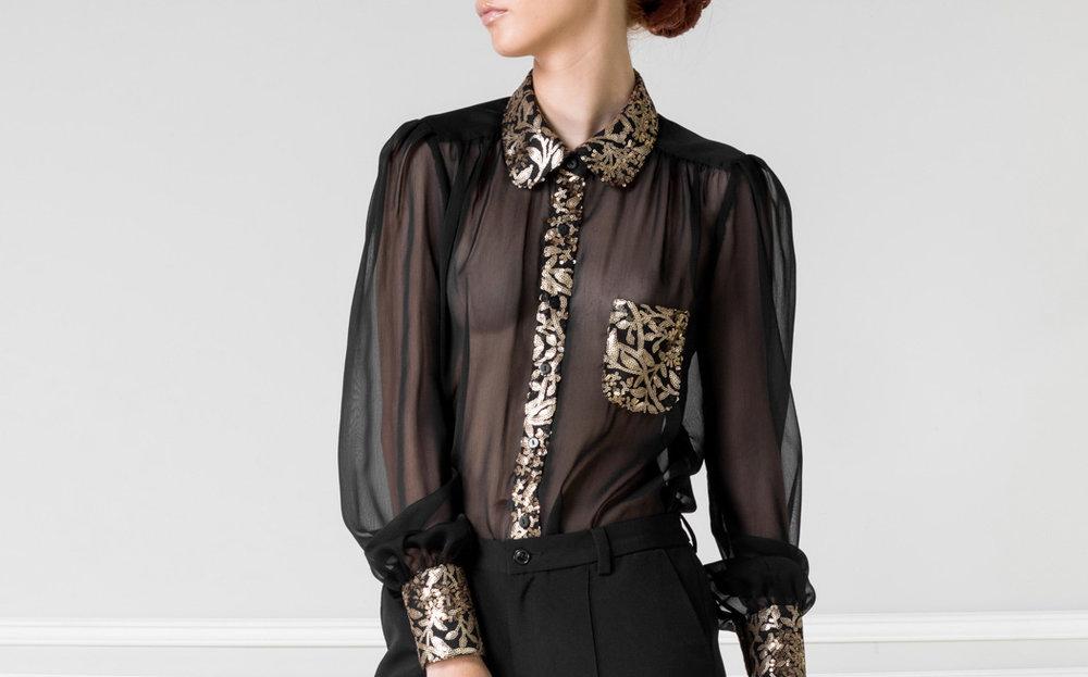 Camisa negra transparente con dorado - $110