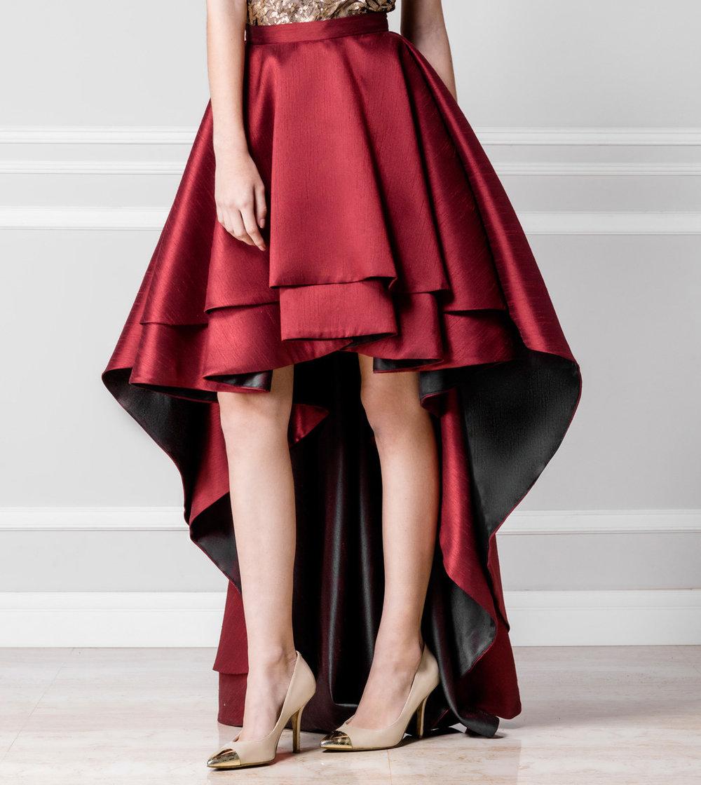 Falda vinotinto asimétrica - €360