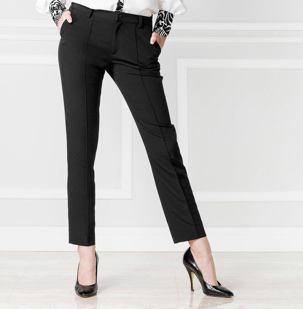 Pantalón negro - €55