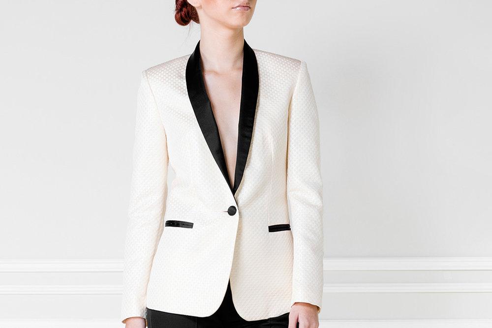 Blazer blanco y negro - €250