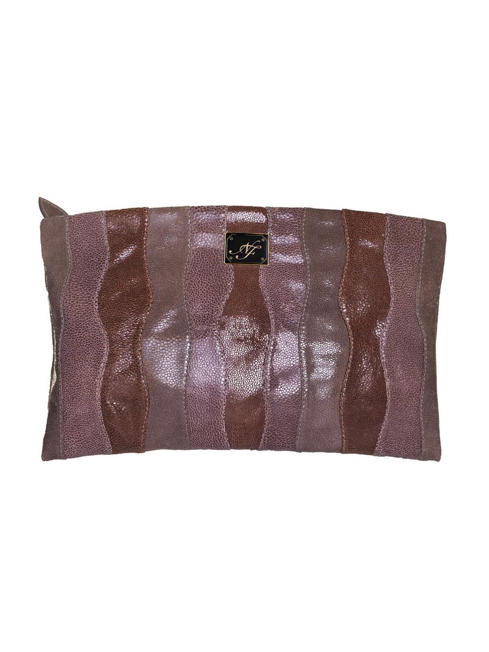 Clutch marrón - €210