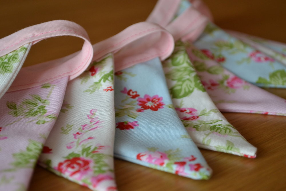 Neat Edges - Traditional bunting doesnt have to be in traditional fabric