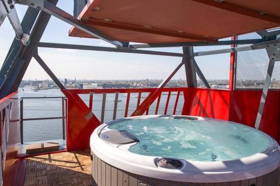 crane-hotel-faralda-hot-tub.jpg