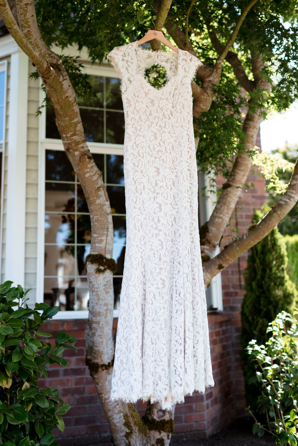 Outdoor Wedding Dress Details