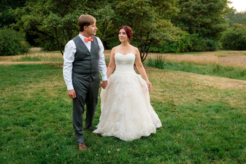 Andrew Tat - Documentary Wedding Photography - Goodfellow Grove - Seattle, Washington -Rebecca & Jason - 40.jpg