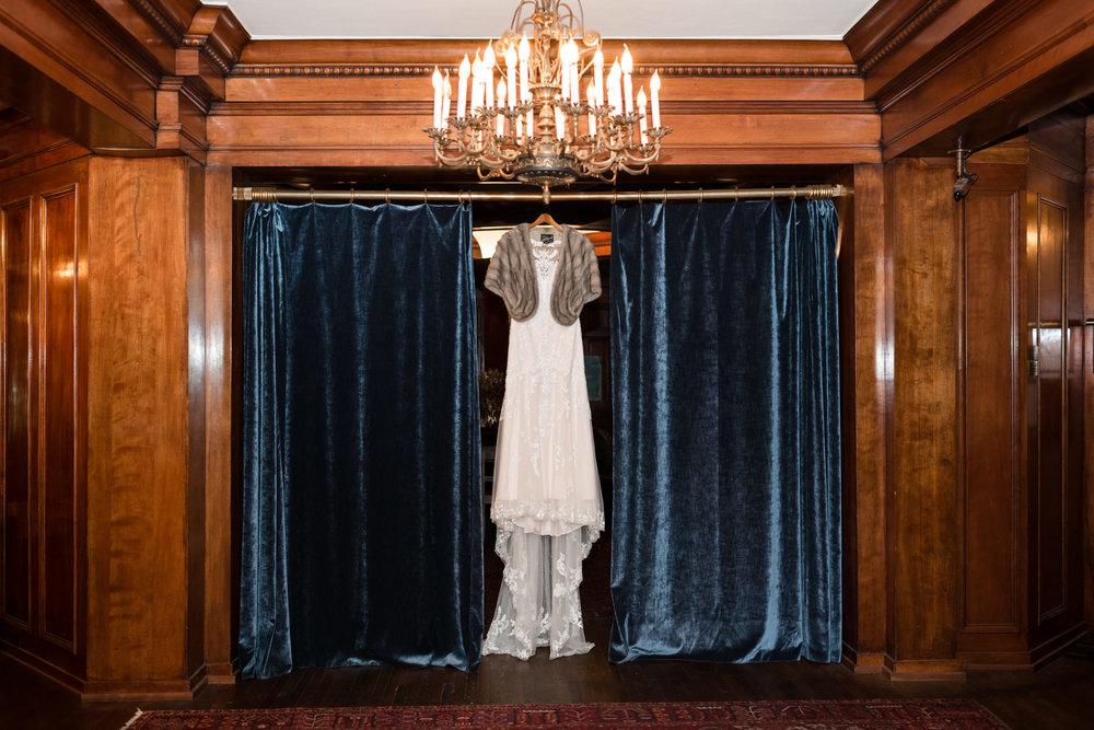 Andrew Tat - Documentary Wedding Photography - Hotel Sorrento - Seattle, Washington -Jessica & Paul - 01.jpg
