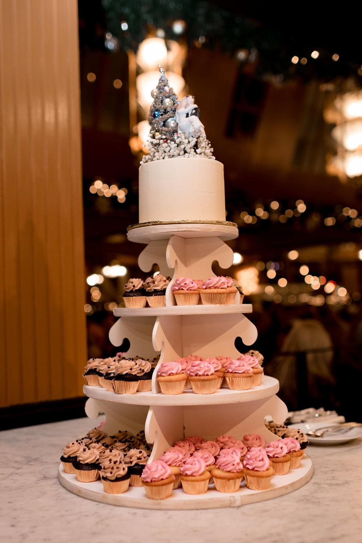 Andrew Tat - Documentary Wedding Photography - Lake Union Cafe - Seattle, Washington -Rachel and Ryan - 04.jpg