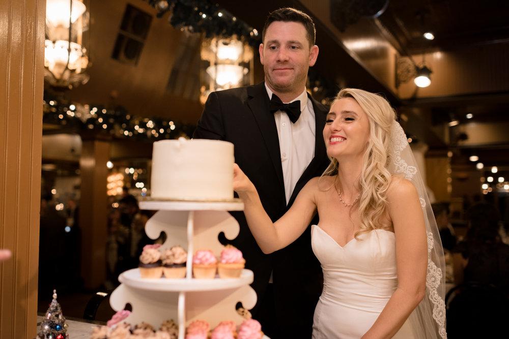 Andrew Tat - Documentary Wedding Photography - Lake Union Cafe - Seattle, Washington -Rachel and Ryan - 35.jpg