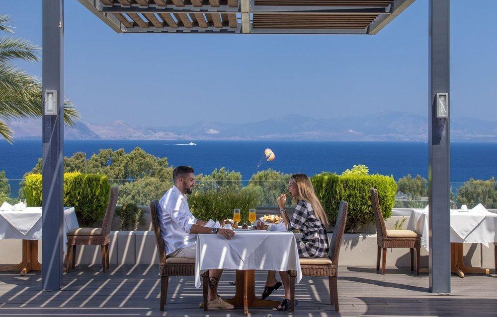 Kipriotis_Panorama_Ariadne_Restaurant_-_Terrace.jpeg