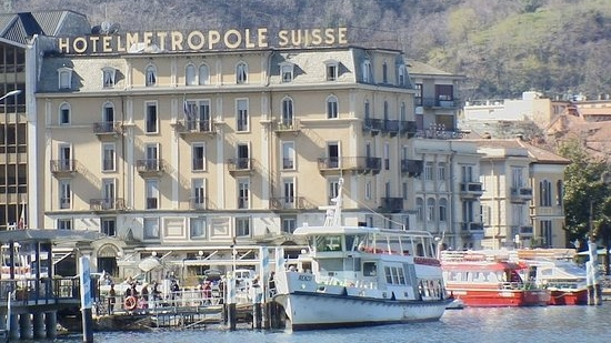 Lake Side and with plenty of shops, bars and restaurants by the hotel.