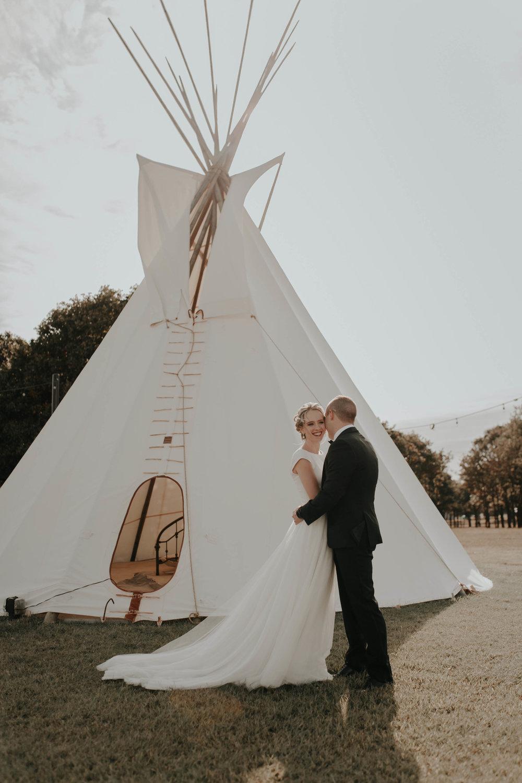 10.06.18ClayEmilyWedding-BrideGroom--6.jpg
