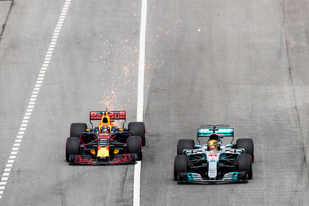 Max Verstappen, Red Bull and Lewis Hamilton, Mercedes. 2017 FIA Formula 1 Championship, Sepang, Malaysia.