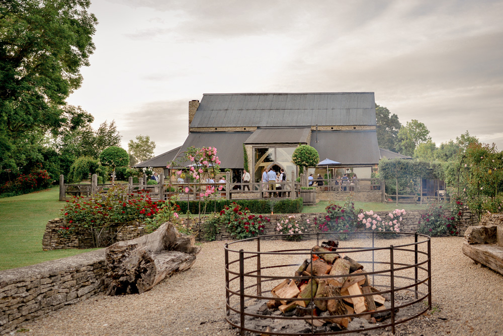 Cripps Barn-wedding-venue-cotswolds-Camilla Reynolds