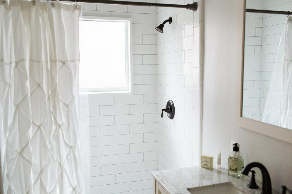 180216+Gurung+Bathroom-212A6109.jpg