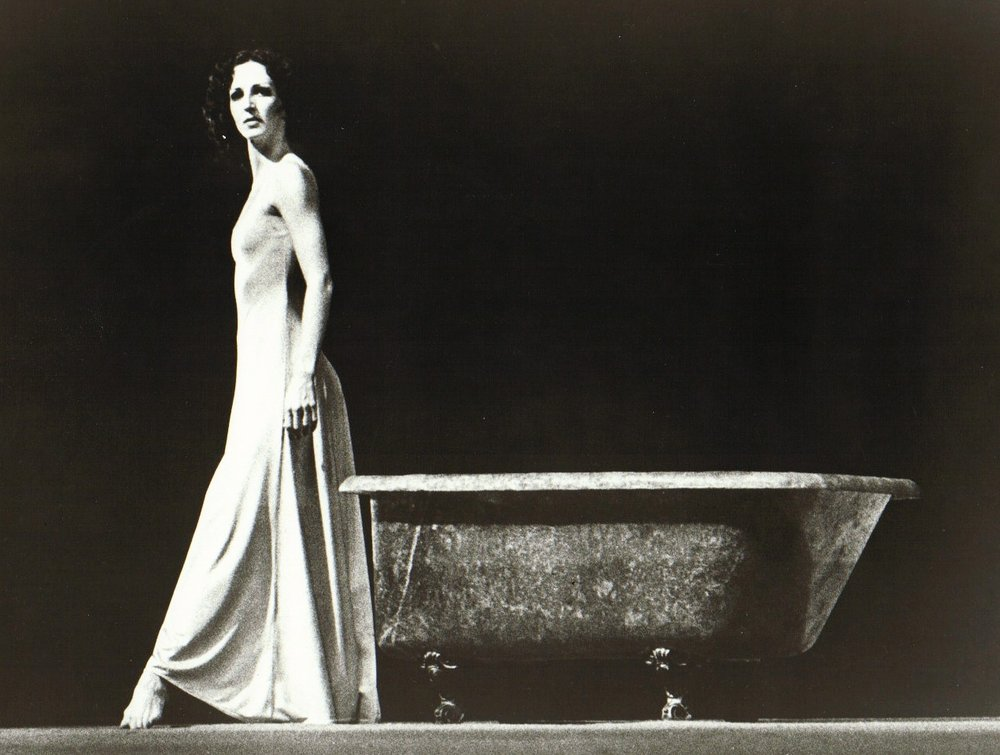 Tub  (1973); Photo by Jorge Fatauros.