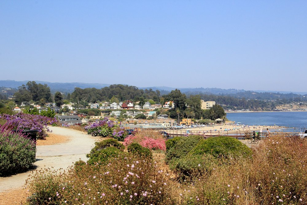 032_Walk to Capitola Village .jpg