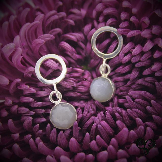 Sterling silver and gray moonstone drop earrings - one of a kind earrings for a one of a kind gal! DM us for details. . . . . #moonstone #sterlingsilverearrings #oneofakind #artisanjewellery #adelaisjewellery #torontojeweller