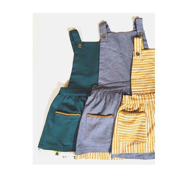 PIN / SAFRAN / BLEU ... . Idéal pour la saison ! . Mais laquelle choisir ? . Made in France 🇫🇷 . . #maisonsalopette#robe#dress#madeinfrance#salopette#dungarees#mode#fashion#kidsfashion#fashionkids#enfant#kids#frenchbrand#pourenfantssagesoupas#kidslookbook#kidslookoftheday#instalook#lookdujour#paris