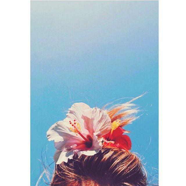 Nouvelle collection 🌺 . Il y aura des fleurs et des couleurs acidulées comme nous les  aimons .... . En attendant vous pouvez retrouver notre collection de robes et de bloomer à bretelles du 3 mois au 7 ans sur notre site 🌴 . . . . #flowers#printemps#ete#summer#spring#pourenfantssagesoupas#serielimitee#fabricationfrancaise#salopettes#frenchbrand#dungarees#kidsbrand#kidslook#kidslookbook#lookbook#inspiration#moodboard#kidz#enfant#kidzfashion#kidsfashion#fashion#mode#new#soon#vetements#paris