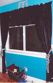 Sylvia dark drapes.png
