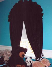 Sylvia dark arch drapes.png